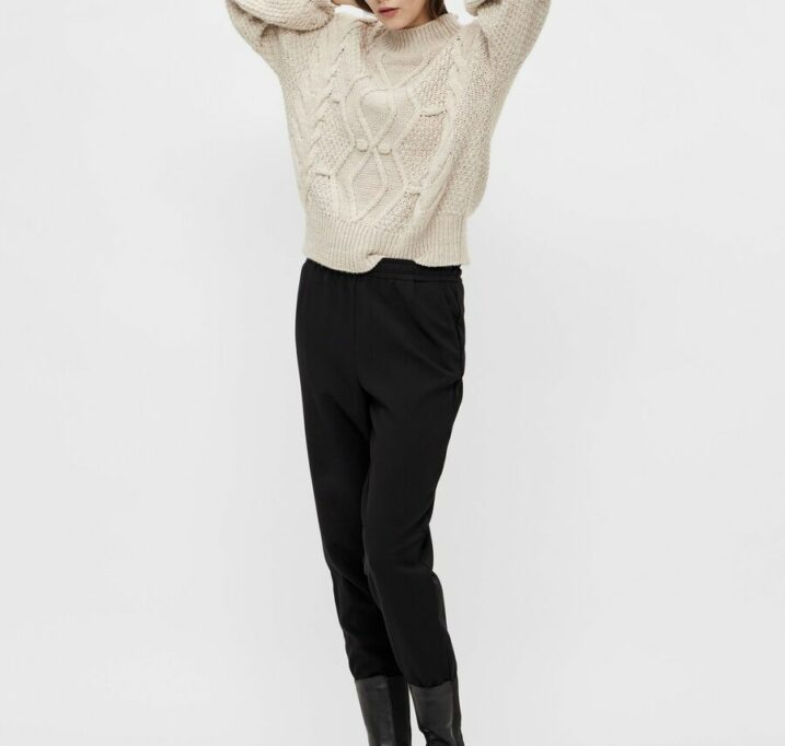 Kamma cable knit