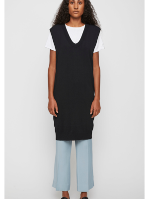 Manta knit vest