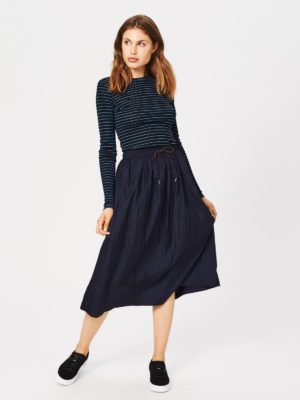 Active skirt