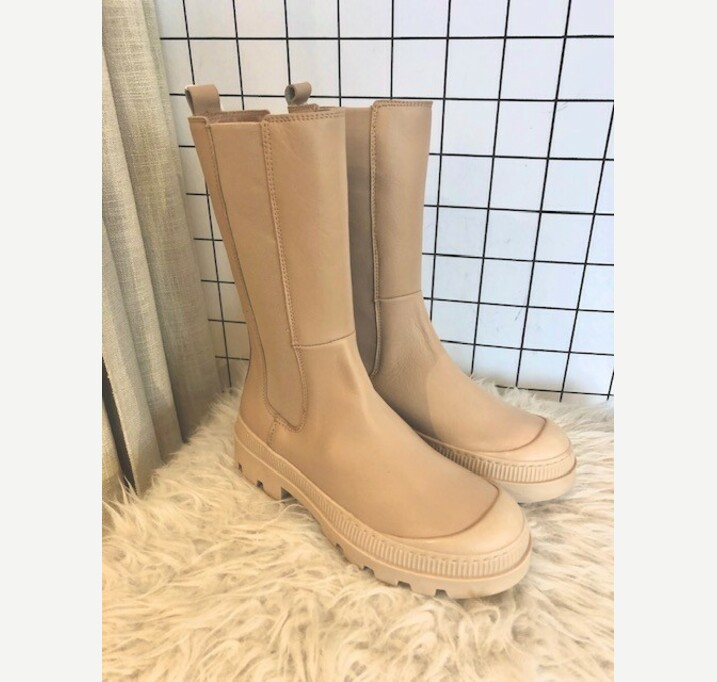 Indra boots