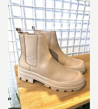 SADE boots